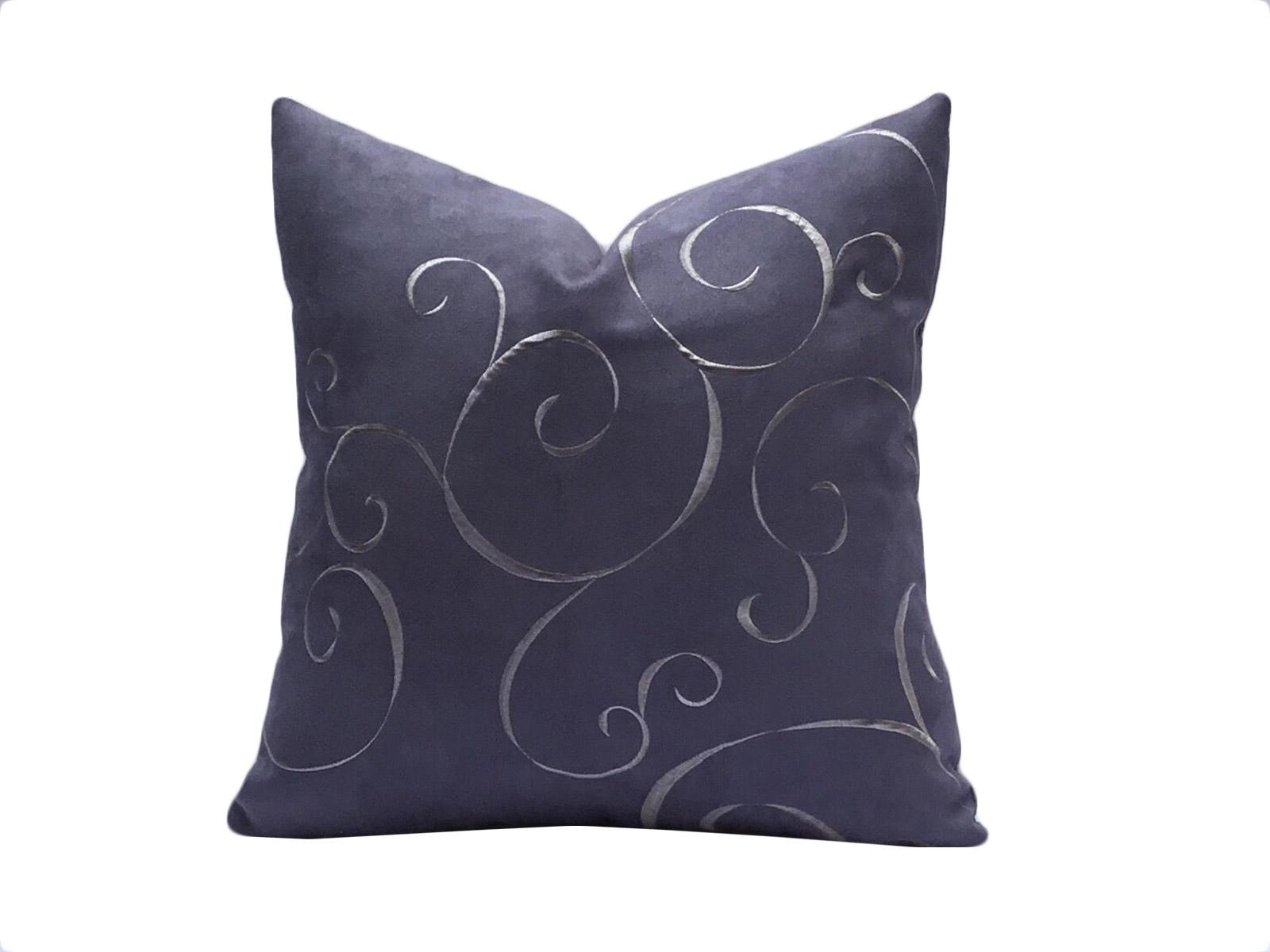 cojin artesano violeta